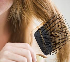 Cinco maneras inteligentes de evitar las obstrucciones de cabello en la ducha