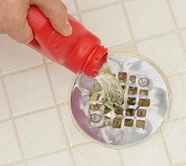 Destruye la obstrucción en la ducha en tres sencillos pasos